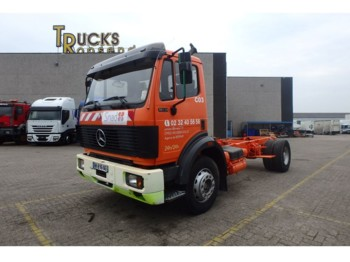 Fahrgestell LKW Mercedes-Benz SK 1831 + Manual + PTO + Engine Defect