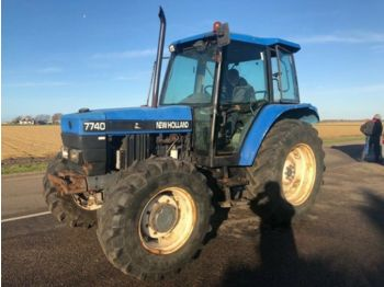 NEW HOLLAND 7740 - Radtraktor